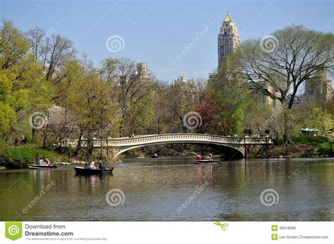 Central Park Boating Price by Nyc Central Park Boating Lake Bow Bridge Editorial