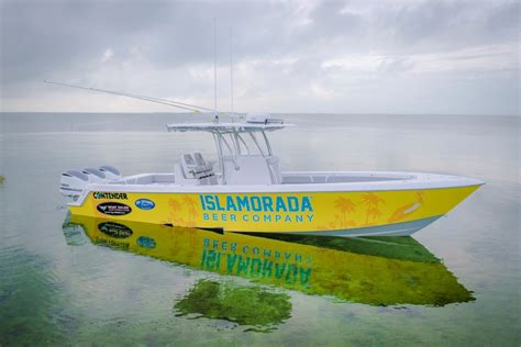 Contender Boats Islamorada by 2017 Contender 35st Sold