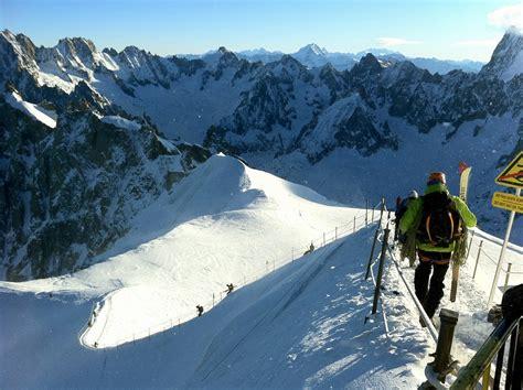 Snowboarding the Vallee Blanche on Mont Blanc, Chamonix, F ...
