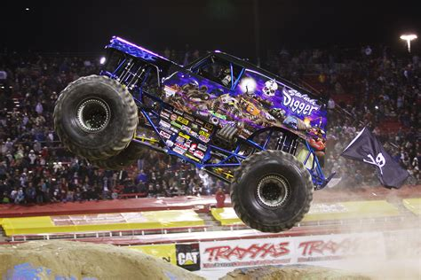 monster jam truck show 2015 monster trucks take over central florida next week