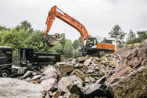hitachi excavator picked  norwegian rock removal