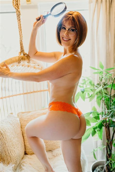 Meg Turney Velma Dinkley Sexy Youtubers