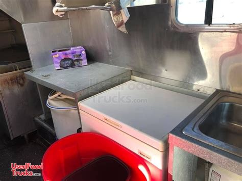 ready  operate turnkey chevy stepvan  purpose food truck