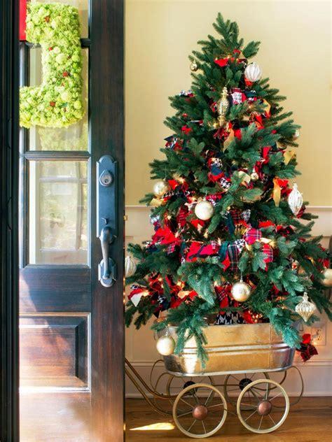 decorating the christmas tree ideas innovative christmas tree decoration ideas 2017