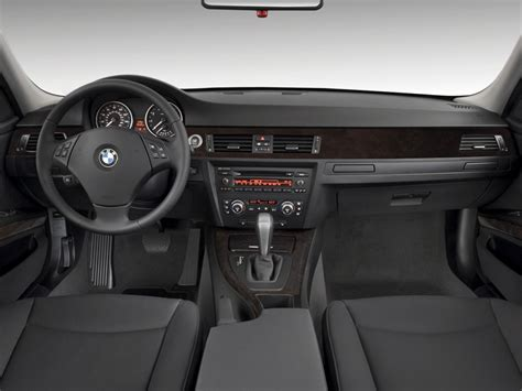 image  bmw  series  door sports wagon  rwd
