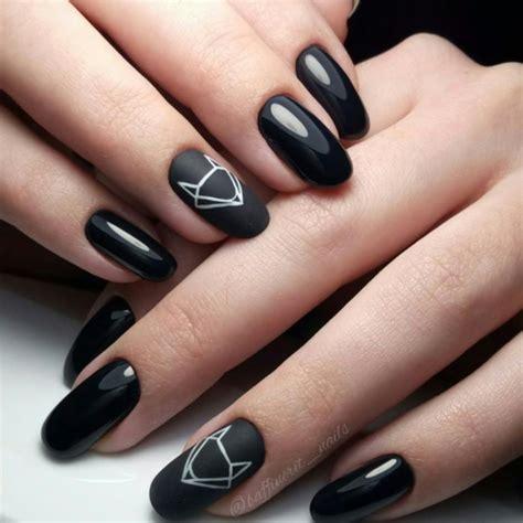 Черный на ногтях – нескучно утонченно оригинально! Трендовый черный маникюр 20202021 года