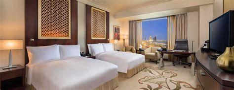 chambre d hotel dubai conrad dubai h 244 tels de luxe 224 duba 239