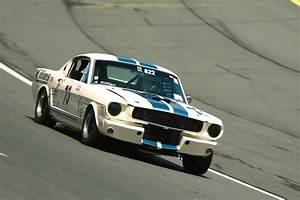 Prix D Une Mustang : ford mustang le retour d 39 une l gende auto moto magazine ~ Medecine-chirurgie-esthetiques.com Avis de Voitures