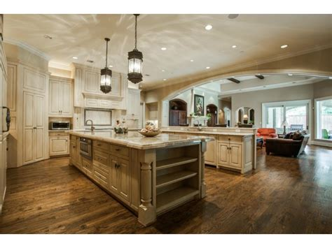 12 foot kitchen island here s what jordan spieth bought in ph bluffview nice and putting candysdirt com
