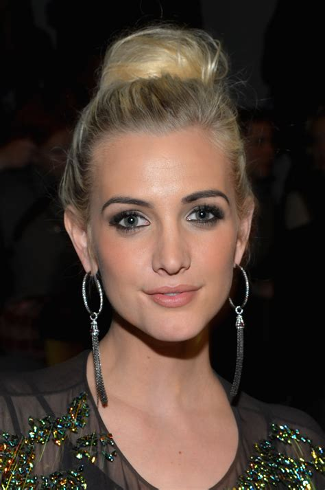 Ashlee Simpson  Keep Up With The Beautysavvy Celebrities
