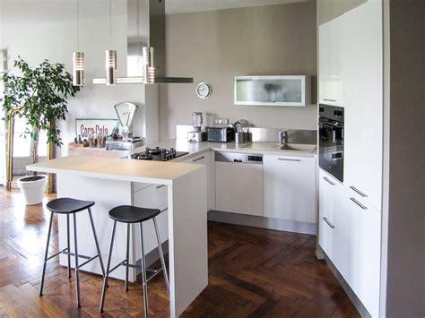 cuisine moderne dans l ancien agrandir une cuisine ouverte qui mixe les matriaux dans un
