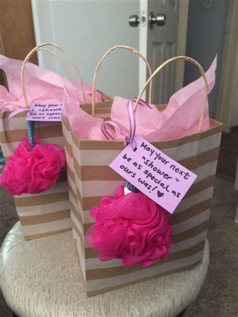 Bridal Shower Hostess Gift - 25 best ideas about hostess gifts on basket
