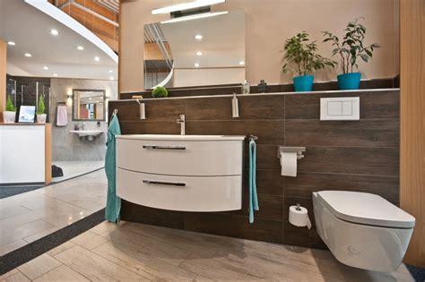Moderne Badezimmer Ausstellung by Ausstellung Kast Fliesen