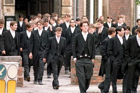 """Britain's poshest school Eton paying """"poverty"""" wages to ..."""
