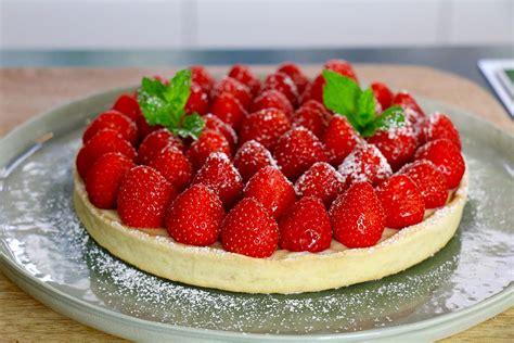 aux fraises cuisine tarte aux fraises facile en 3 é hervecuisine com