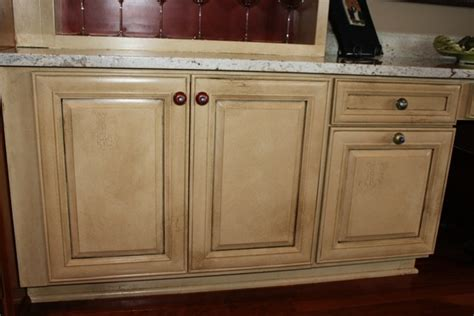 Pickled Oak Cabinets Glazed by How To Use Glaze To Outline Panels In Cabinet Doors