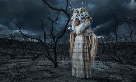 las muertas photographer creates colourful tribute  day