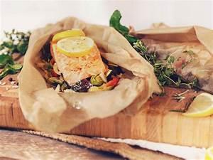 Lachs Auf Gemüsebett : ged mpfter lachs aus dem p ckchen auf gem sebett rezept kitchen stories ~ Watch28wear.com Haus und Dekorationen