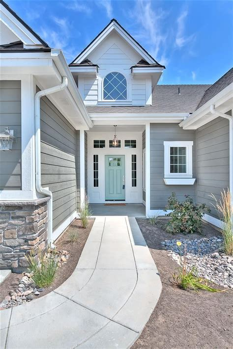 Clean And Bright Home Exterior Is Amherst Gray Hc167