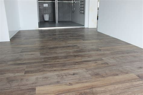 Evolved Luxury Floors Installation   Karndean LooseLay