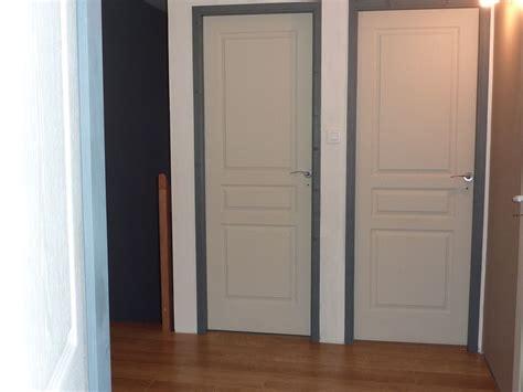chambre avec mezzanine la porte d 39 entrée la salle de bain les portes de l