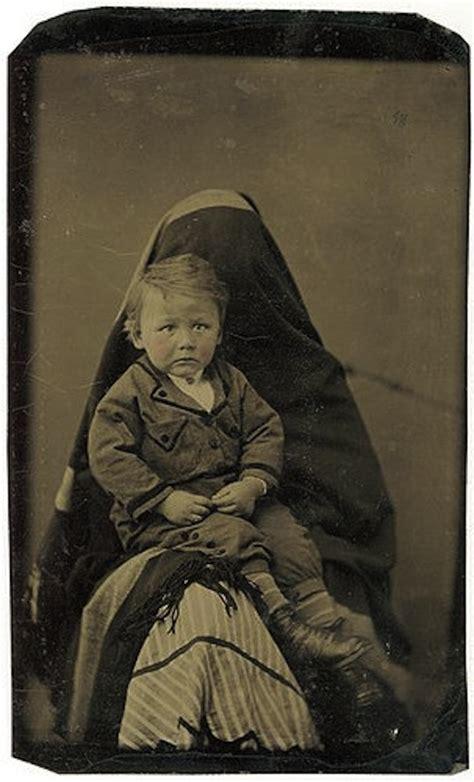 family portraits taken during victorian era were as creepy