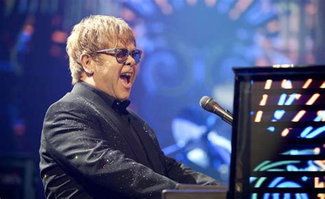 Elton John To Play Lincoln Summer Concert In 2016