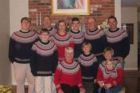 The 6 Worst (and funnest) Christmas family portraits  ever!