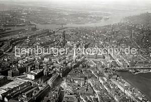 Parkhaus Innenstadt Hamburg : historische hafenfotos der hhla luftbild von der hamburger innenstadt hauptkirchen hamburgs ~ Orissabook.com Haus und Dekorationen