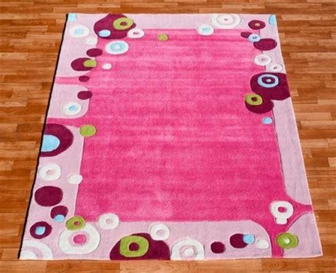 tapis pour chambre de bebe  chambre denfant tapis pas