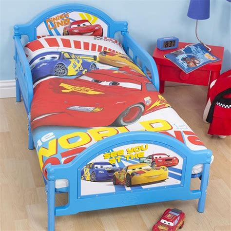 decoration chambre cars disney cars chambre à coucher parure de lit accessoires