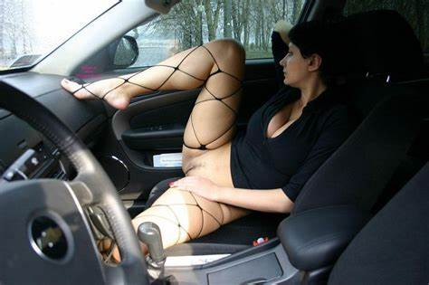 Driver Balcony Maid On The Wifes Flaunting Asses In Codriver Seat