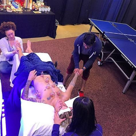 pic justin bieber  massage cupping relaxing