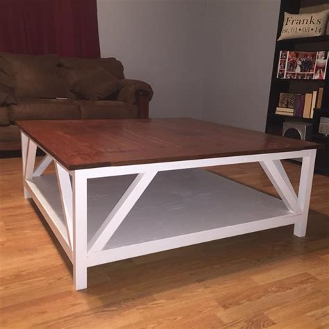 It's almost like a floating shelf for a coffee table. Modern Farmhouse Square Coffee Table - buildsomething.com