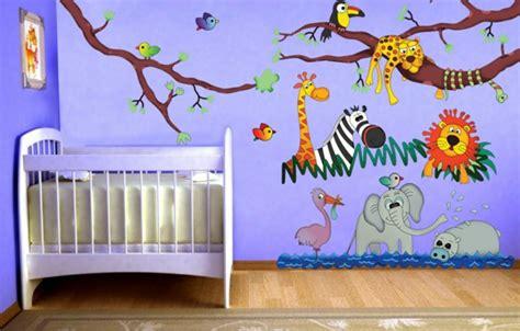chambre bébé animaux avec les stickers pour chambre bébé vous allez créer une