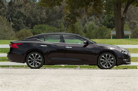 nissan maxima 2016 2016 nissan maxima review first test motor trend