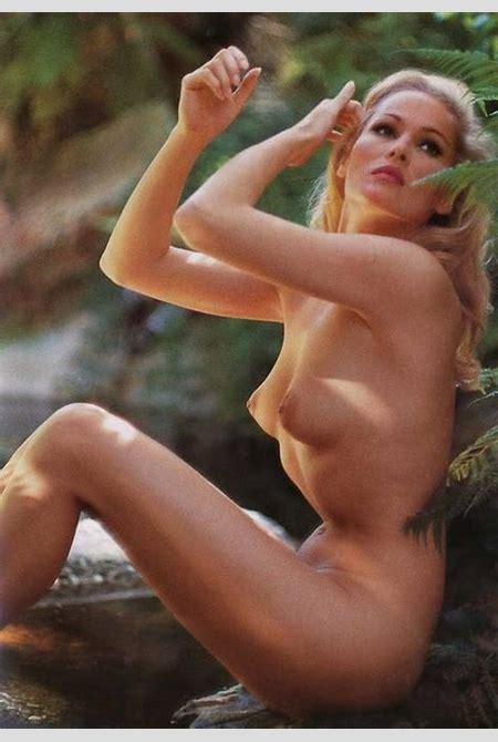 1971. Linda Evans (p994) – TiPiTi.info – Vintage art and photography