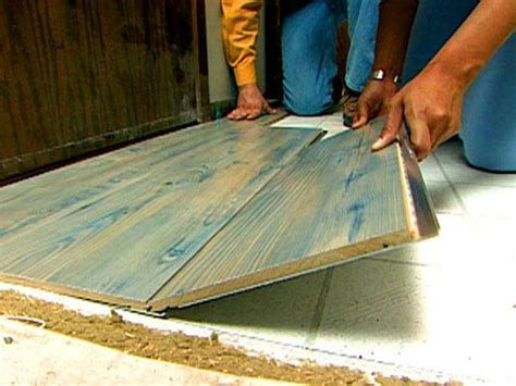 Laminate Floor Installation & Maintenance   DIY