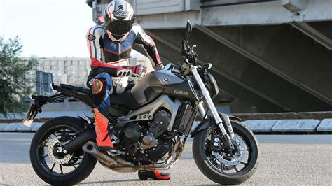 First Test  Yamaha Mt09  Action & Details + Engl Subs