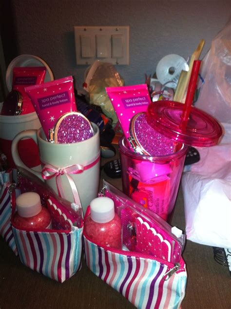 Baby Shower Door Prize Ideas - 25 best ideas about baby shower prizes on