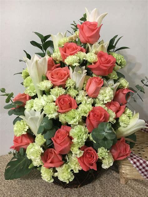 years wedding anniversary flowers arrangment