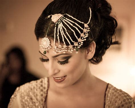 Wedding Accessories For Indian Groom : Elegant Indian Bridal Hair Accessories For Your Wedding
