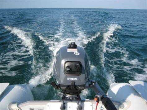 Bijboot Met Motor by Watersport En Boten Rubberboot Motorboot Bijboot Viamare