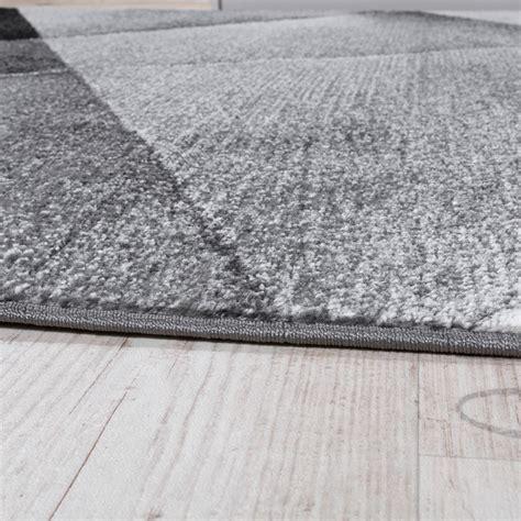 tapis noir poil ras tapis design moderne motifs g 233 om 233 triques poils ras gris noir blanc chin 233 tous les produits