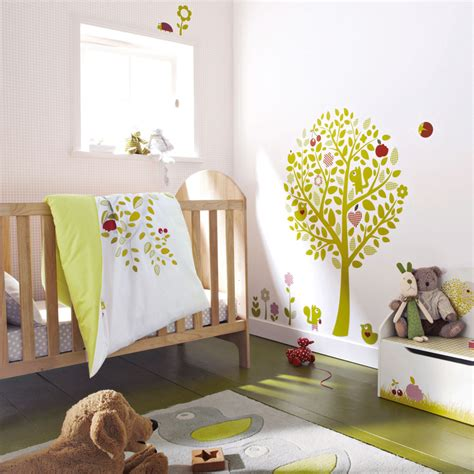 bébé dort dans sa chambre davaus bebe seul dans sa chambre avec des idées