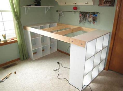 planche bureau ikea il assemble 3 étagères ikea avec de la planche pour