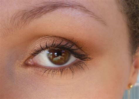 Maquillage Simple Yeux Marrons Le Maquillage Des Yeux Simple Maquillage Des Yeux