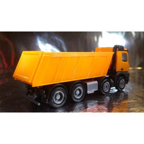 * Herpa Trucks 302517 MercedesBenz Arocs M dumper Meiller