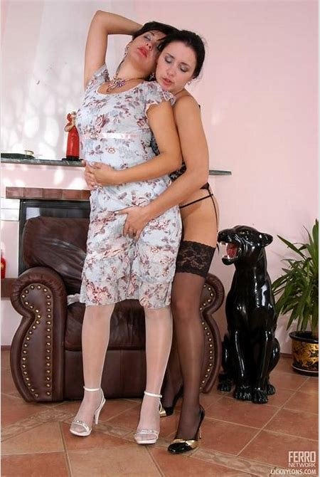 Horny lesbian maid with love for legs - Pichunter
