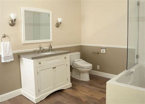 Bathroom Wall Colors Pictures by Image Result For Two Toned Bathroom Walls Front Bathroom